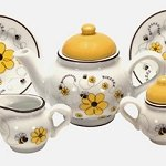 Busy Bee Tea Set